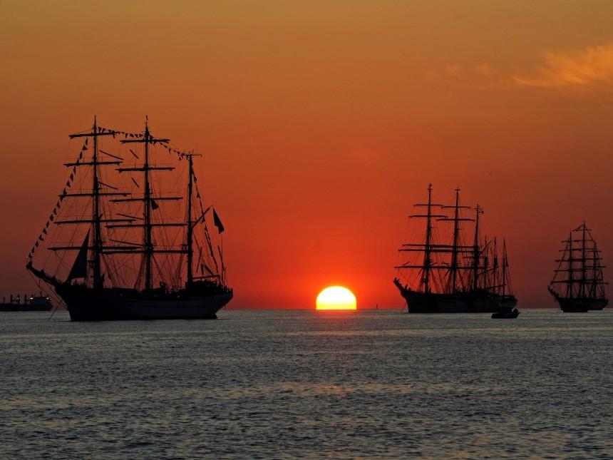 ships-642520.jpg
