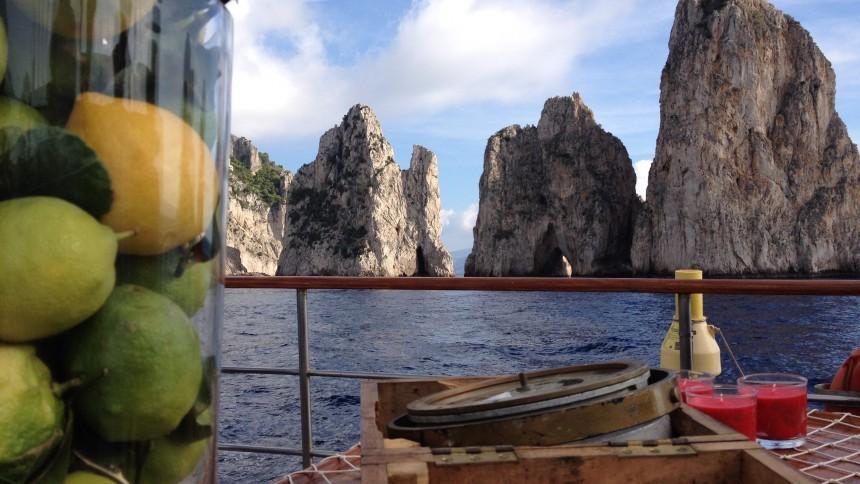 capri_boat_tour.JPG