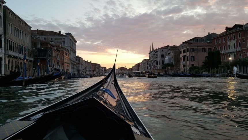 venice_gondola_tour_by_night_vet_dmc_italy.jpg