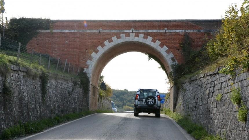 4.off_road_incentive_tuscany_.JPG