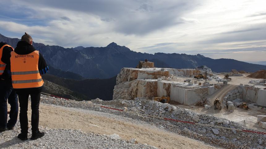 carrara_murble_quarries_vet_dmc.jpg