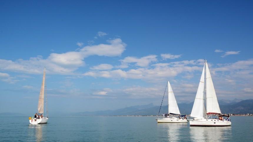 sailing-in-viareggio2.jpg